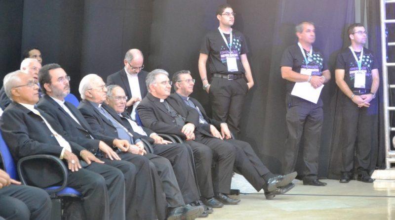 Vários Bispos participaram do Muticom