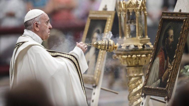Papa Francisco durante as vésperas de início do Mês Missionário na Basílica de São PedroPapa Francisco durante as vésperas de início do Mês Missionário na Basílica de São Pedro  (ANSA)