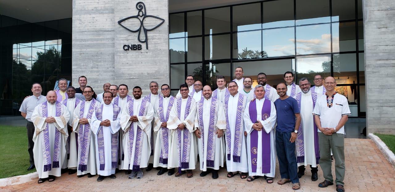 Visita à sede da CNBB com celebração da Eucaristia na capela Nossa Senhora Aparecida.