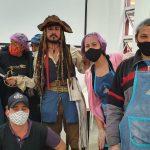 Gisele (segunda da direita para esquerda) com outros voluntários. Foto: Joka Madruga/ Pascom Bom Jesus dos Perdões