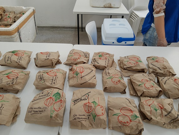 Mais de 200 lanches eram distribuídos todos os dias (Foto: Movimento Mesa Fraterna)