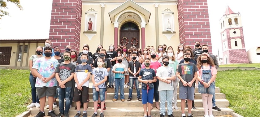 A iniciativa foi do grupo de catequistas a Paróquia (Imagem: retirada do vídeo da Rede Evangelizar)