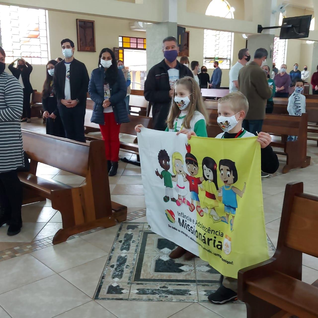 Na IAM, crianças e adolescentes se comprometem a ser missionários (Foto: PASCOM)
