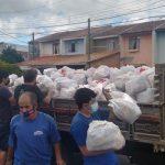 O Movimento entrega cestas em diferentes regiões carentes da cidade, a famílias cadastradas (Foto: SOS Vila Torres)